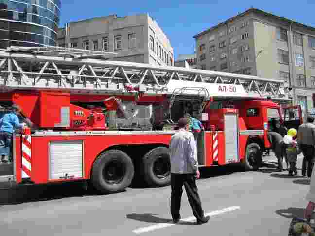 Выставка пожарных машин на день города 2013