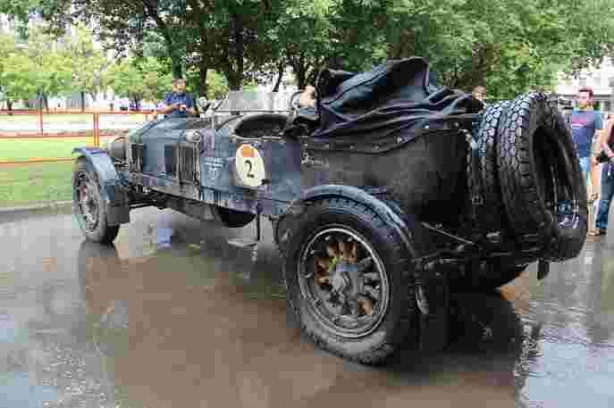 Ретро пробег Пекин – Париж (Старые автомобили) 25-26 июня Оперный театр